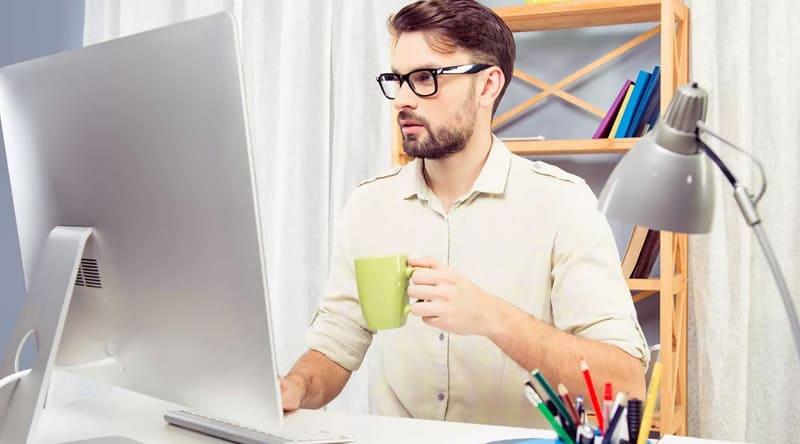 Как стать специалистом по интернет рекламе